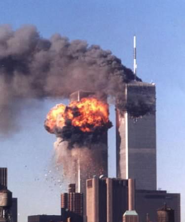 Le Torri gemelle del World Trade Center colpite dai due aerei dirottati l'11 settembre